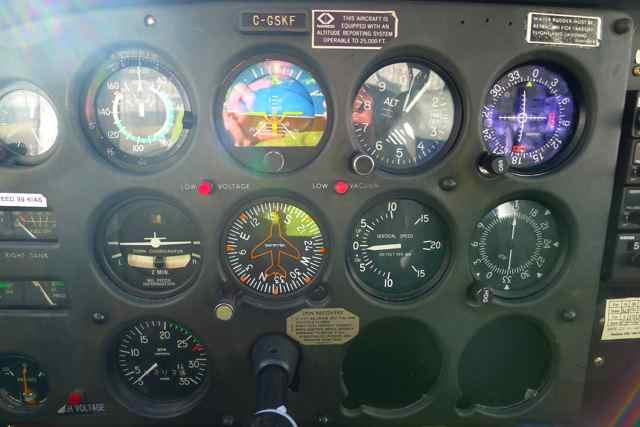 Cessna 172 instrument panel