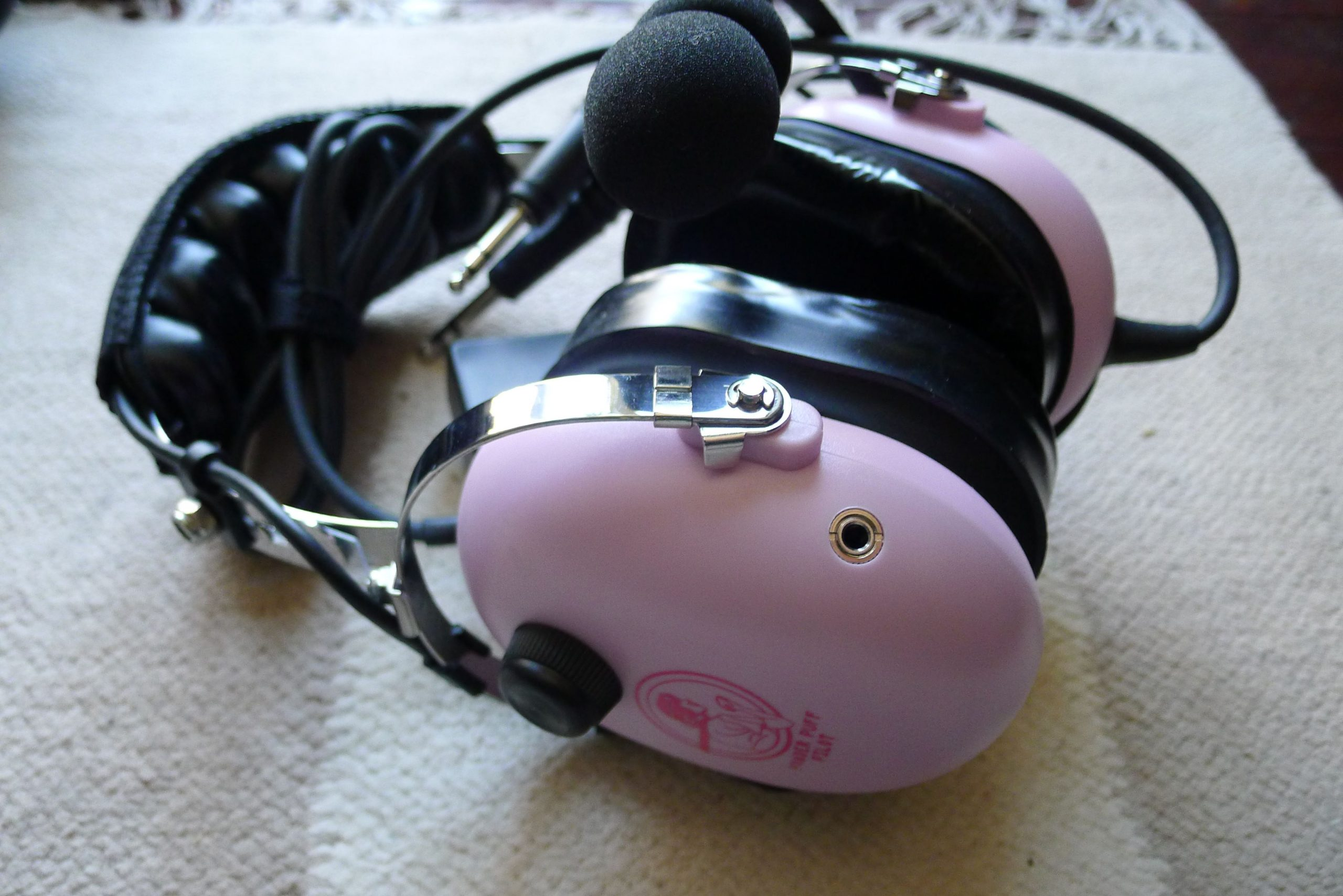 The new ANR Headset is MP3 compatible.